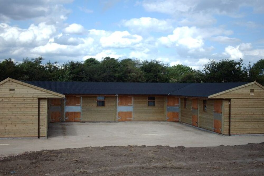 warwick buildings custom built wooden stables
