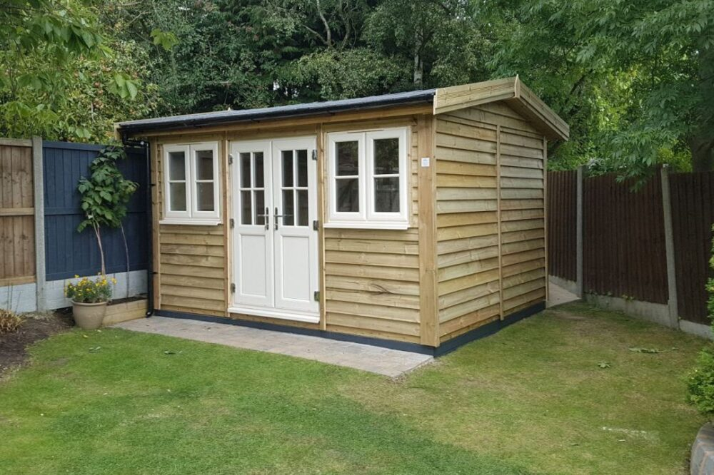 Traditional Style Garden Room